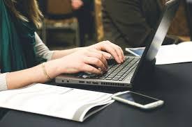 Consejos para universitarios estudiando en línea