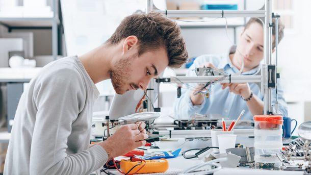 Considera estudiar una carrera en Ingeniería Industrial